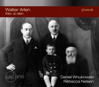 CD-Cover: Schwarz-Weiß-Photographie zeigt vier Männer (vier Generationen?) sitzend
