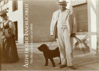 Schwarz-Weiß-Photographie: Mann mit Hund